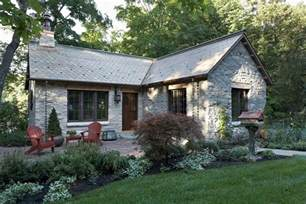small cabin style house plans fox hollow a new cottage built from antique materials murphy co design small house bliss