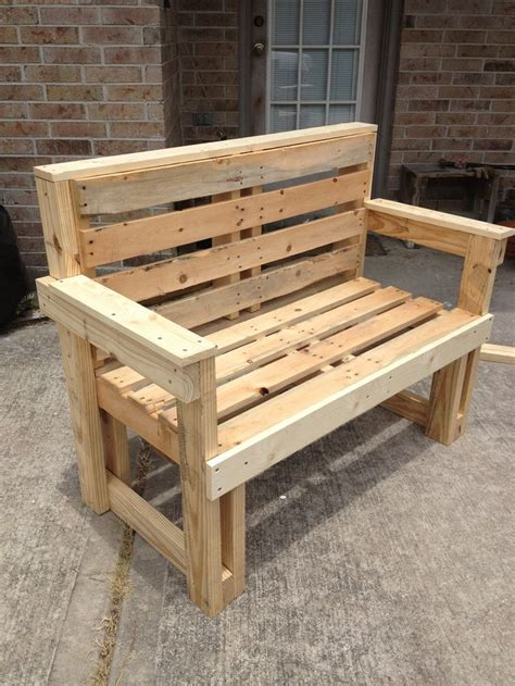 pallet furniture pallet projects em  armarios de