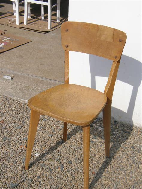 la chaise de bois relooker de vieilles chaises en bois 39 s kitchen