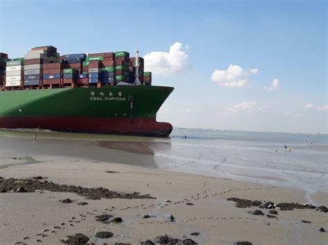 Schip Westerschelde by Enorm Containerschip Vastgelopen Op Westerschelde