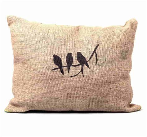 Cómo hacer un sillón con pallets y almohadones de tela de