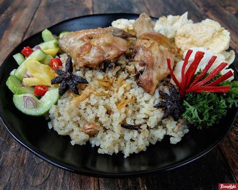 Nasi kebuli, terdiri dari nasi yang memiliki rasa gurih karena telah dibumbui terlebih dahulu. Resep Nasi Kebuli Ayam Enak Kabar Kk