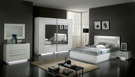 chambre a coucher blanc laqué lit city laque blanc chambre à coucher