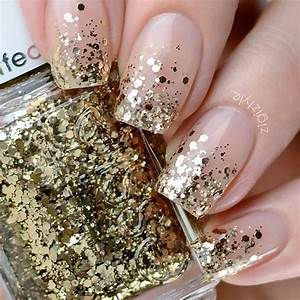 23 Gorgeous Glitter Nail Ideas for the Holidays | StayGlam
