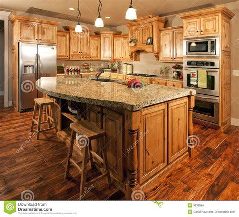 cuisine a la maison cuisine à la maison centrale d 39 île moderne images stock