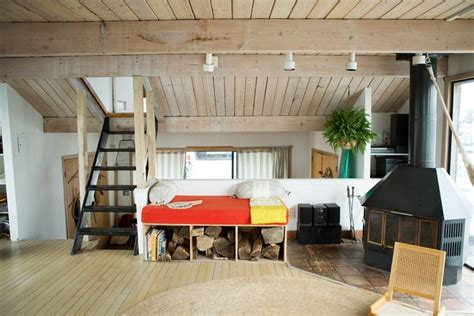 Houseboat Rental Ta Bay by Sail Away Into High Design Seas With This Rockaway