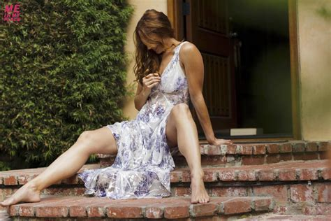 Hot And Sexy Photoshoot Of Amanda Righetti In Me In My Place Photoshoot Hollywood Actress
