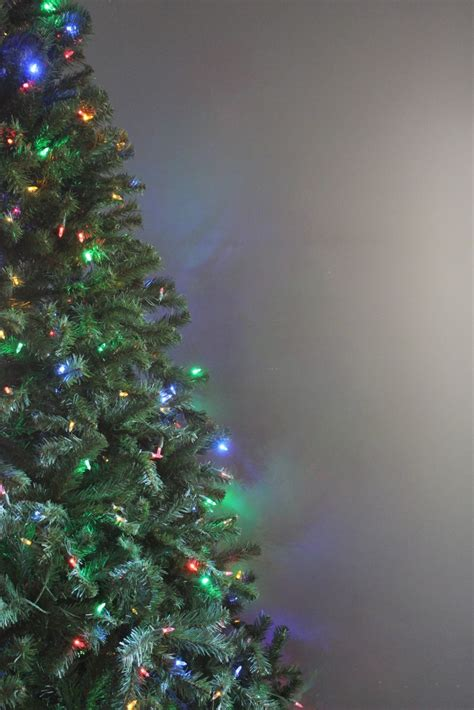 how to set up an artificial christmas tree