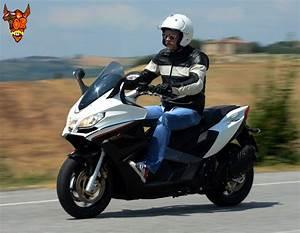Scooter Aprilia 850 : aprilia srv 850 reviews prices ratings with various photos ~ Medecine-chirurgie-esthetiques.com Avis de Voitures