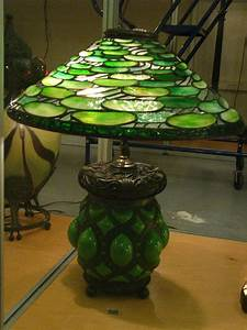 Japanese Rose Designs Tiffany Table Lamps For Bedroom Images
