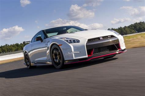 Nissan GT R Nismo review, price, specs and 0 60 time   Evo