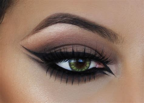 cat eyeliner winged eyeliner tutorial cat eye inspired