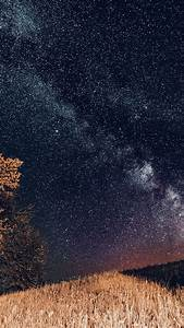 ni73-one-dark-night-sky-starry-space-silent-blue-wallpaper