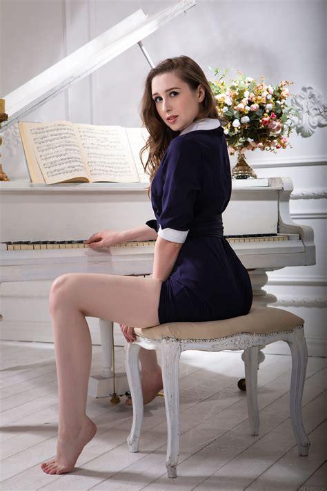 Wallpaper Beauty Cute Flirty Girl Love Model Piano