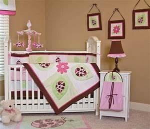 1001 idees geniales pour la decoration chambre bebe ideale With déco chambre bébé pas cher avec plaid fleuri