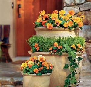 Kübel Bepflanzen Ideen : turm keramik k bel orange stiefm tterchen gras garten garten garten deko und garten ideen ~ Buech-reservation.com Haus und Dekorationen