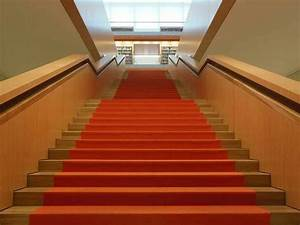 Pvc Für Treppen : stufenbel ge treppen treppenelemente baunetz wissen ~ Frokenaadalensverden.com Haus und Dekorationen