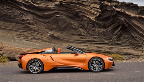 bmw debuts   roadster  top  green driving