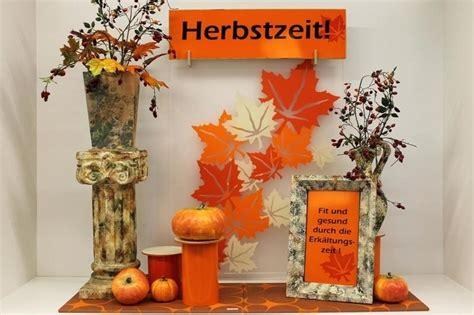 Herbstdeko Fenster Baum by Dekoration Herbst Trinitygp Org