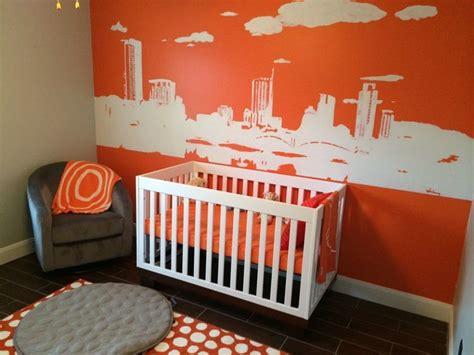 chambre bébé orange 6 inspirations pour égayer la chambre de bébé en orange