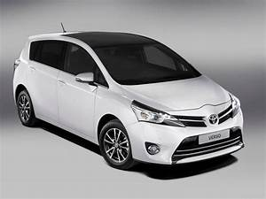 Toyota Verso Dimensions : toyota verso technical specifications and fuel economy ~ Medecine-chirurgie-esthetiques.com Avis de Voitures