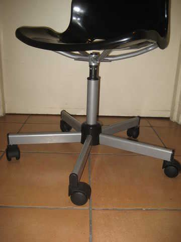 Snille Swivel Chair Singapore by Snille Swivel Chair Black For Sale In Singapore Adpost