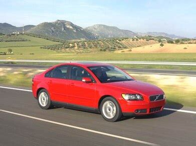 blue book value for used cars 2004 volvo s60 engine control 2004 volvo s40 new pricing ratings expert review kelley blue book