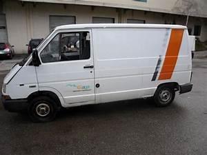 Renault Gap Occasion : camionnette renault trafic utilitaire d 39 occasion aux ench res agorastore ~ Medecine-chirurgie-esthetiques.com Avis de Voitures