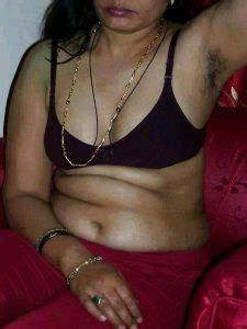 petticoat aur blouse mein hot aunty   sex  saree