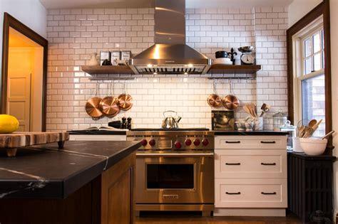 9 Kitchens With Show Stopping Backsplash Hgtvs
