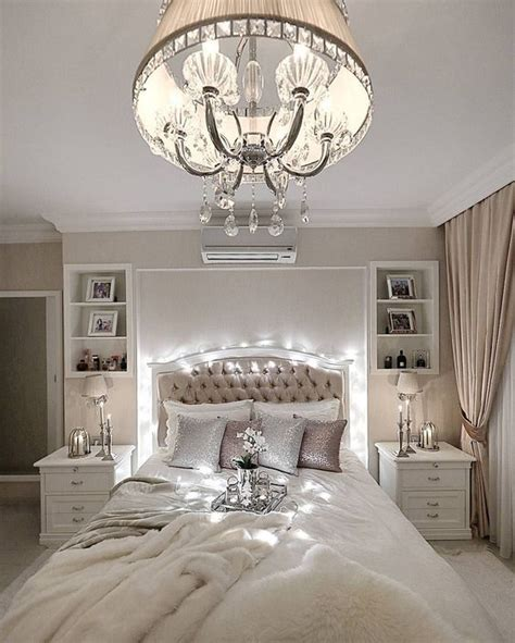 refined glam chandeliers    space chic digsdigs