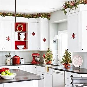 40 cozy christmas kitchen decor ideas digsdigs With kitchen cabinets lowes with diy christmas wall art