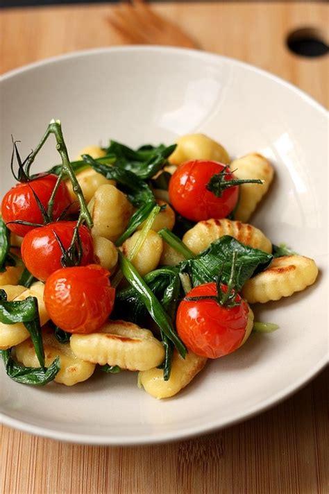 cuisiner tomates cerises 6 sublimes recettes pour cuisiner l 39 ail des ours foodette