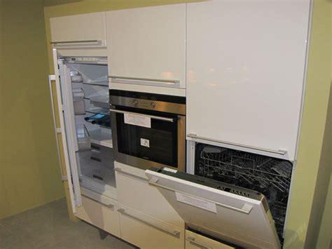 cuisine lave vaisselle en hauteur comment placer un lave vaisselle dans une cuisine intégrée