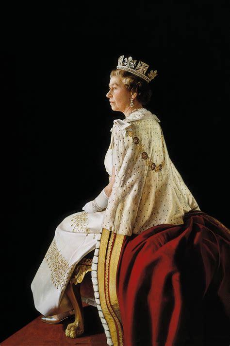 Her Majesty Queen Elizabeth II | Royals | Portfolio | Richard Stone - Royal portrait painter