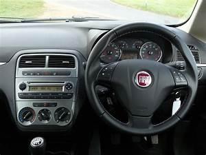 Fiat Grand Punto : fiat grande punto hatchback 2006 2010 running costs parkers ~ Medecine-chirurgie-esthetiques.com Avis de Voitures