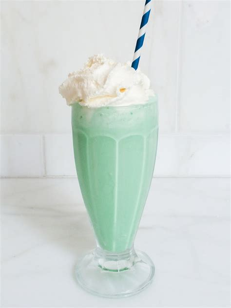 DIY Mint Milkshake