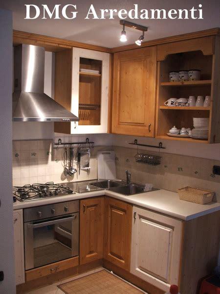 casa immobiliare accessori lavelli ad angolo misure