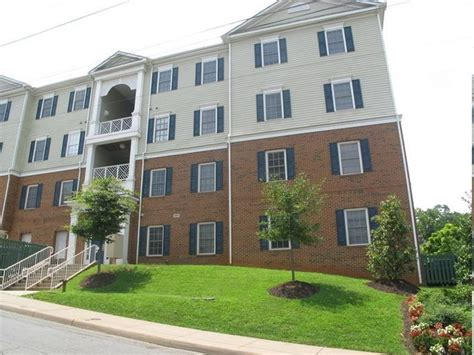 the pointe apartments rentals charlottesville va