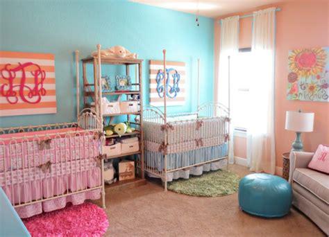 chambre fille et gar輟n ensemble décoration pour la chambre de bébé fille archzine fr