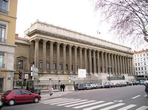 la r 233 novation du palais de justice historique de lyon