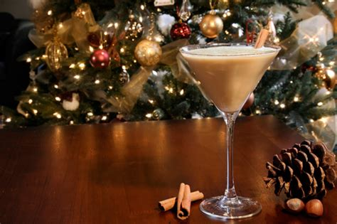 christmas cocktails sugar cookie martini