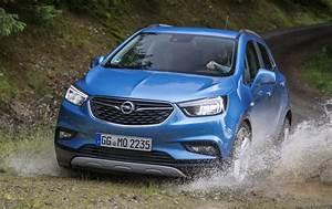 Opel Ampera Commercialisation : essai auto l 39 opel mokka x un suv dans les g nes actu auto ~ Medecine-chirurgie-esthetiques.com Avis de Voitures