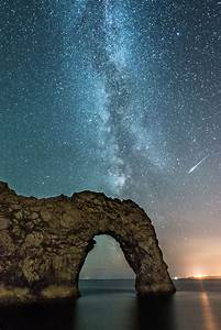 Milky Way and Meteor above Durdle Door | Whilst shooting ...