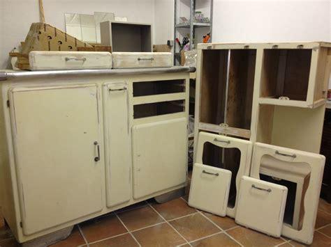 meubles de cuisine vintage rénovation d 39 un buffet de cuisine des ées 60 la