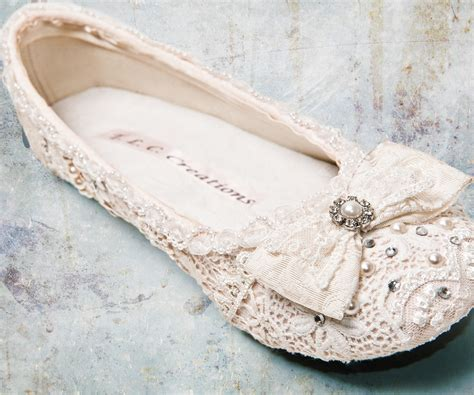 wedding day shoes southeast bridal advice shoe selection tips to help brides avoid wedding day foot