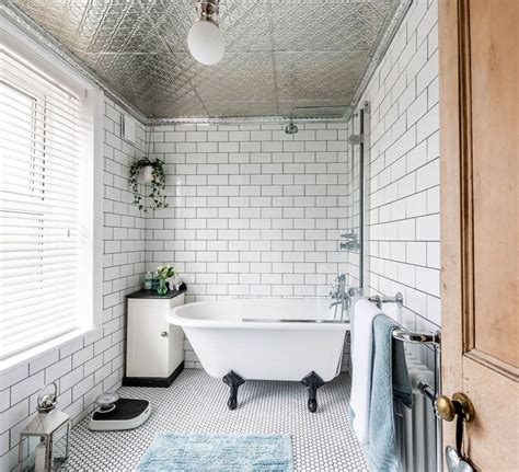 What Size Tiles For A Small Bathroom by How To The Right Size Tiles For A Small Bathroom