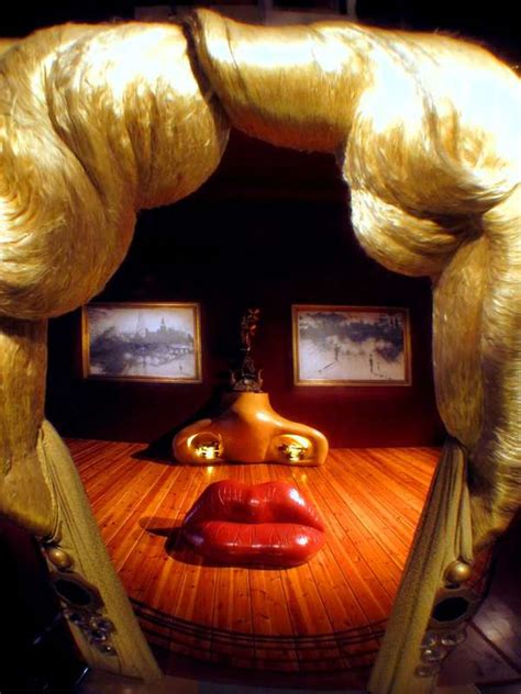faux face room installations mae west room