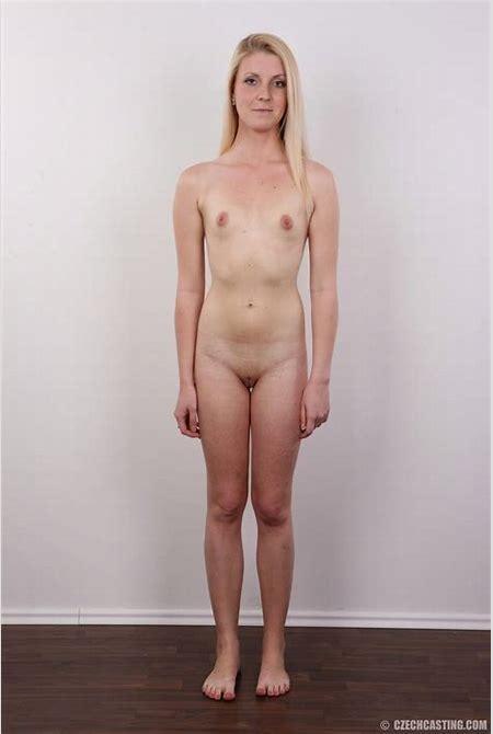 Flat and Faking: Veronika 5599