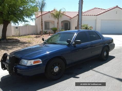 2006 Ford Crown Victoria Information And Photos Momentcar